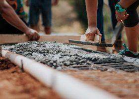 How do I choose a concrete contractor?